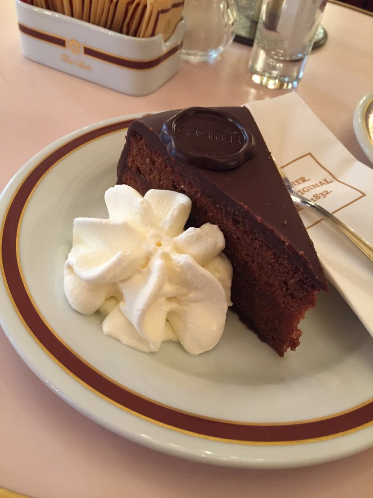 where to eat in vienna torte
